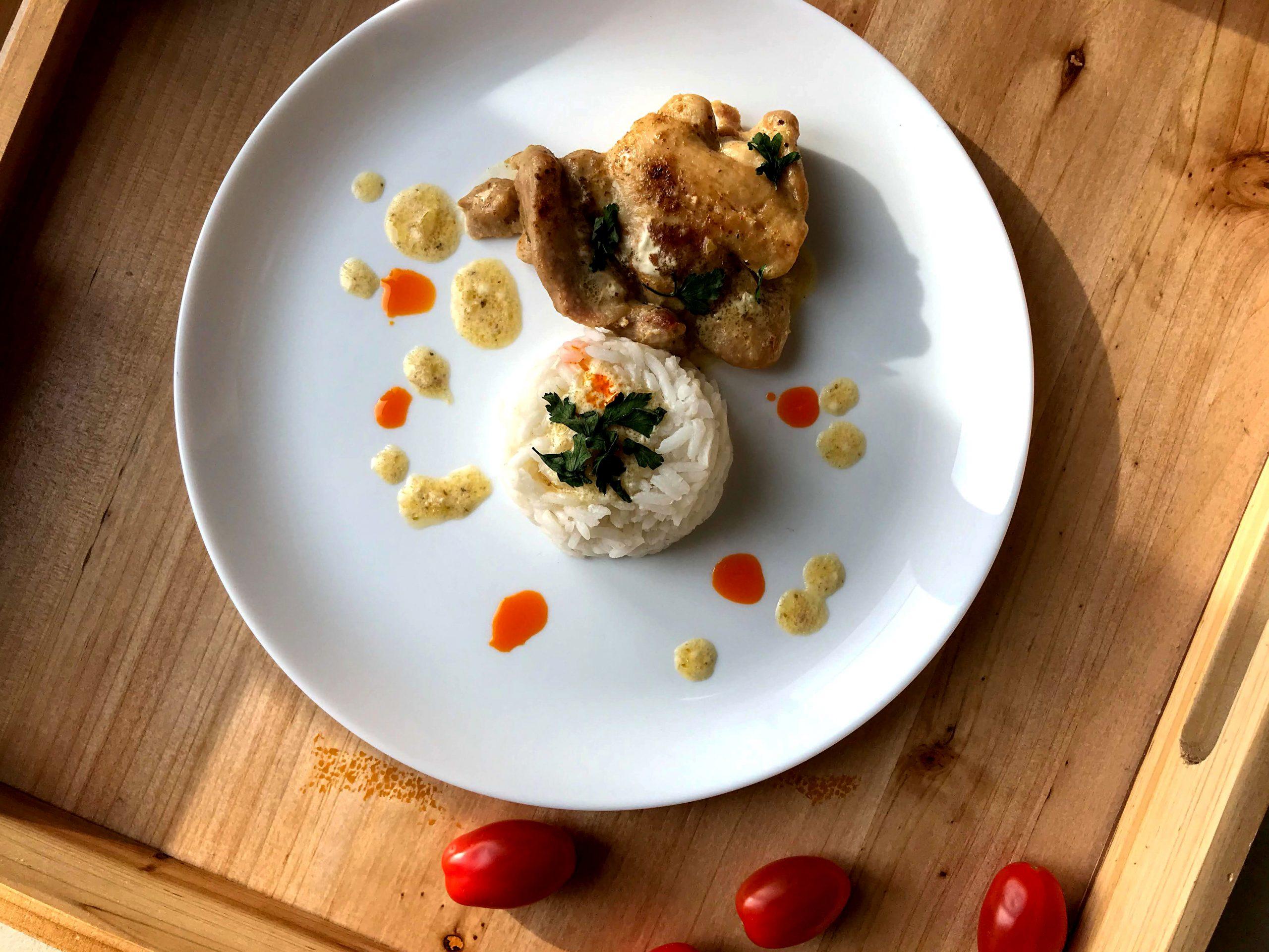 Kurczak w sosie śmietanowym – szybki obiad Hierry